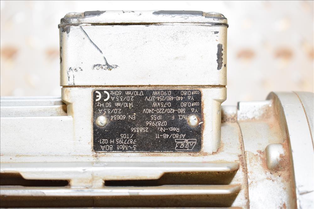 PSG-Lee-RP-8TZ-36_71973001_bw